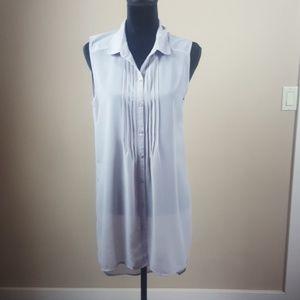 Long sleeveless blouse